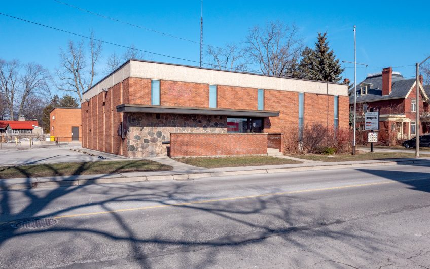 111 BROAD ST E, Dunnville ON