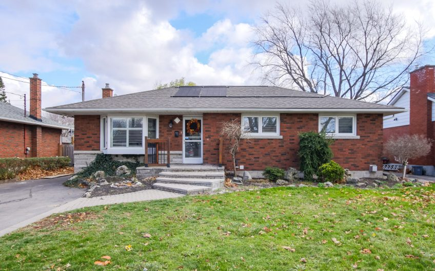8 ROXANNE DR., ST. CATHARINES, ON